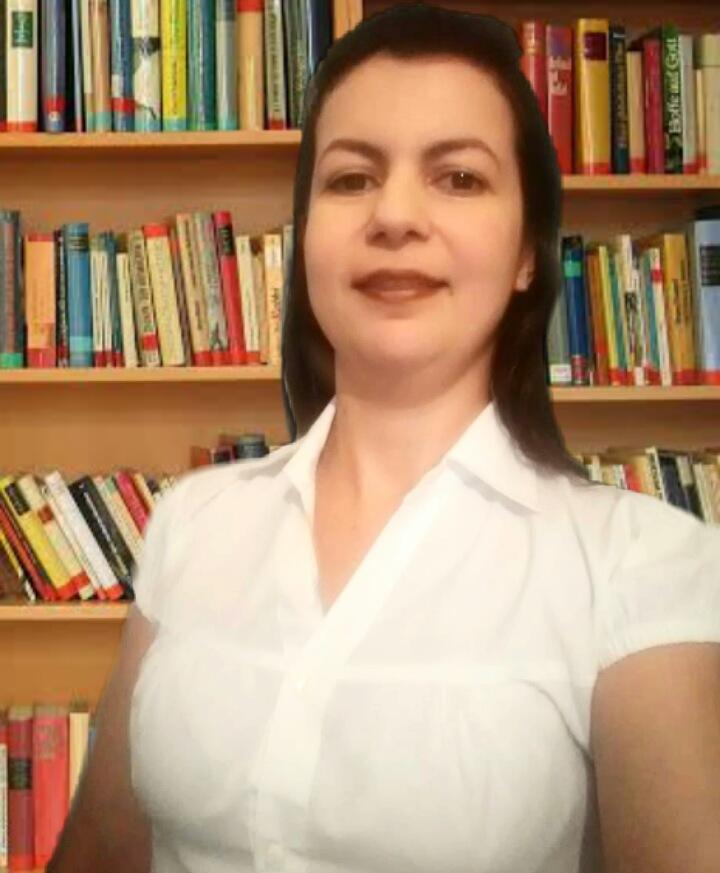Elizabeth Moura